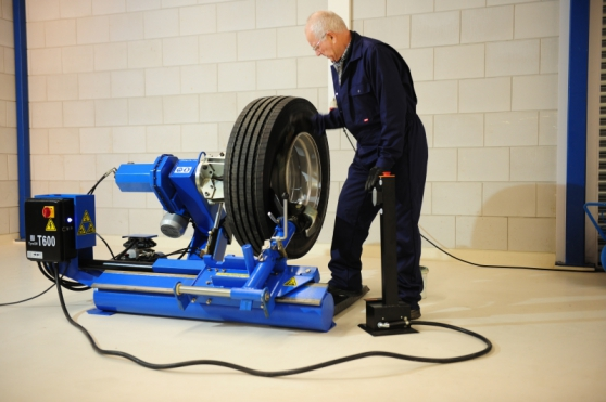 Démonte pneus poids lourd 26 pouces-NEUF