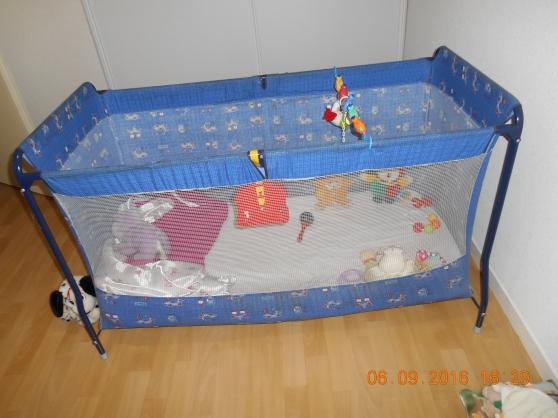 lits parapluie meubles d coration lits d 39 enfant bordeaux reference meu lit lit petite. Black Bedroom Furniture Sets. Home Design Ideas