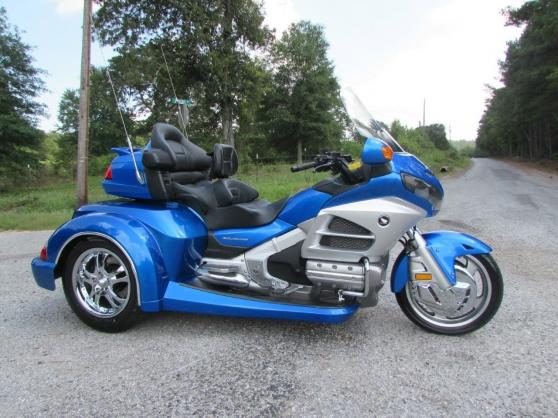 HONDA Honda Gold Wing trike bleu