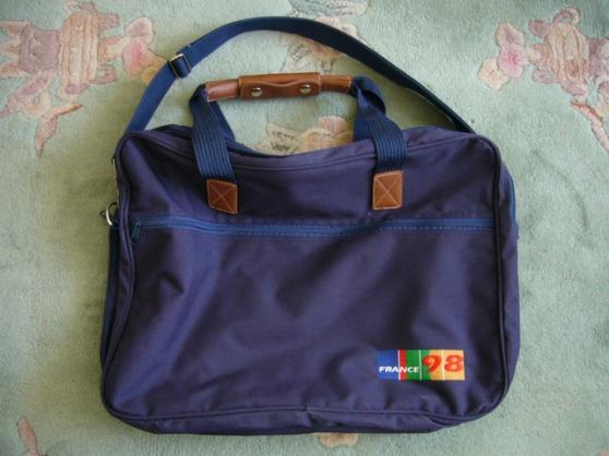 sac aux couleurs du mondial 98 - Annonce gratuite marche.fr
