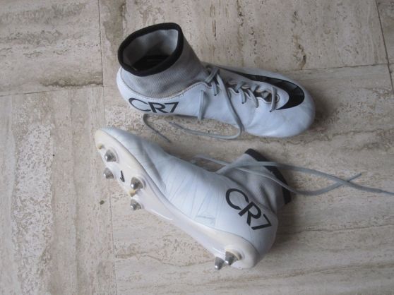 Annonce occasion, vente ou achat 'chaussures de foot cr 7 NYKE en 38'