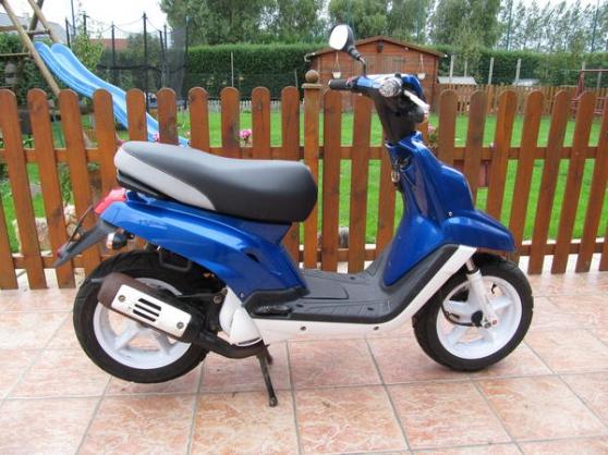 Annonce occasion, vente ou achat 'vends urgents .scooter spirit bleu orage'