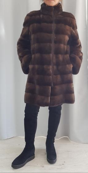 Manteau de vison marron.