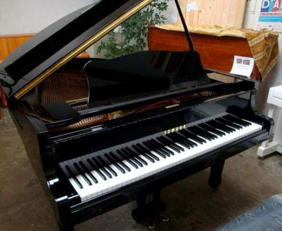 Piano 1/4 queue YAMAHA modèle G2