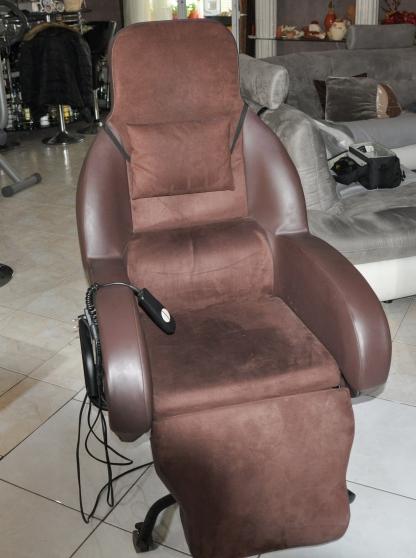 Annonce occasion, vente ou achat 'Fauteuil Confort et de repos électrique'