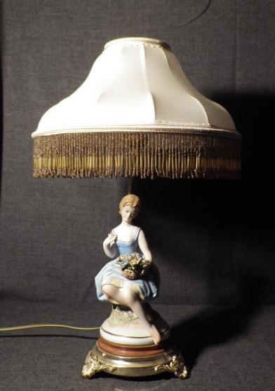 Lampe de chevet Figurine en porcelaine