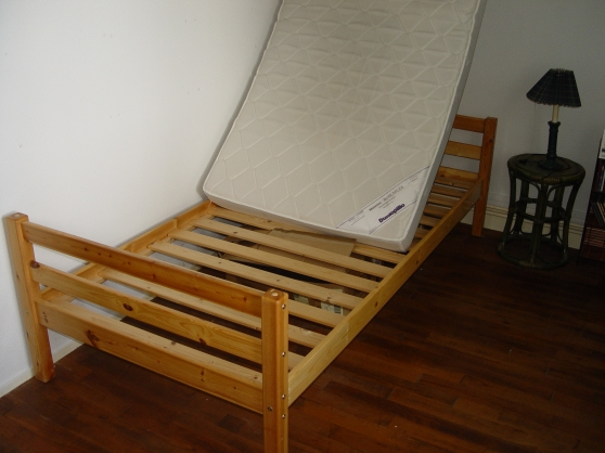 lits jumeaux en pin massif chalon sur sa ne meubles d coration lits d 39 enfant chalon sur. Black Bedroom Furniture Sets. Home Design Ideas