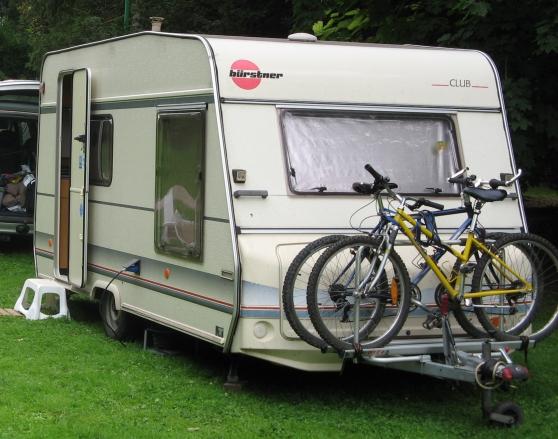 Caravane b rstner caravanes camping car caravanes ars for Caravane chambre 19 meubles