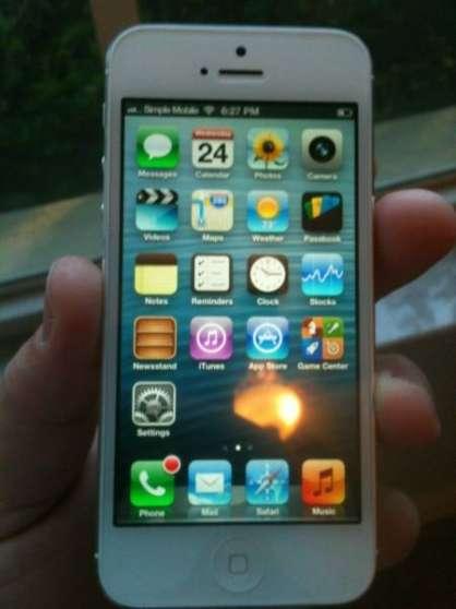 APPLE I Phone 5 BLANC 64Go tout opérateu