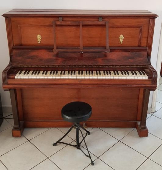 Annonce occasion, vente ou achat 'Vente d un Piano Regy Paris 2 pedales'