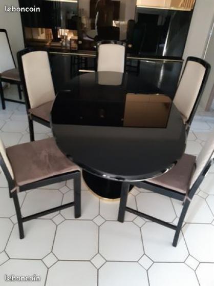 Table SàM + 6 chaises laqué noir