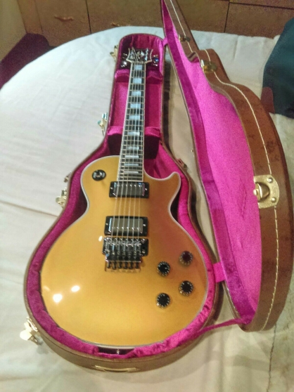 Gibson Les Paul Custom. Floyd rose Gold