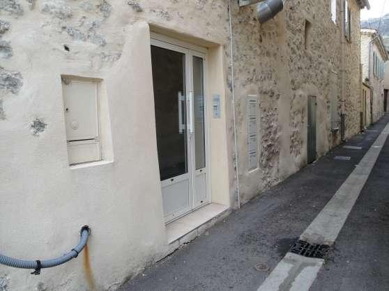 Appartement T3 70m² centre ville Buis le
