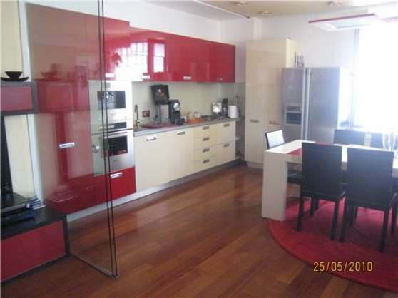 Appartement de luxe impeccablement meubl