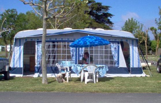 Caravane tabbert baronnesse caravanes camping car for Caravane chambre 19 meubles