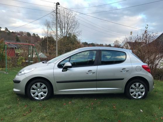 Peugeot Aix Les Bains : peugeot 207 hdi auto peugeot aix les bains reference aut peu peu petite annonce gratuite ~ Gottalentnigeria.com Avis de Voitures