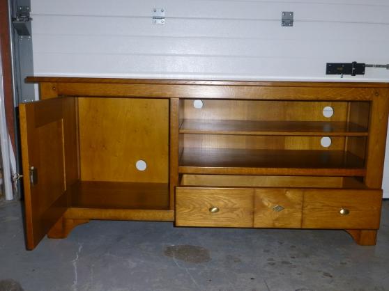 meuble tv en ch ne massif la glacerie meubles d coration meuble la glacerie reference. Black Bedroom Furniture Sets. Home Design Ideas
