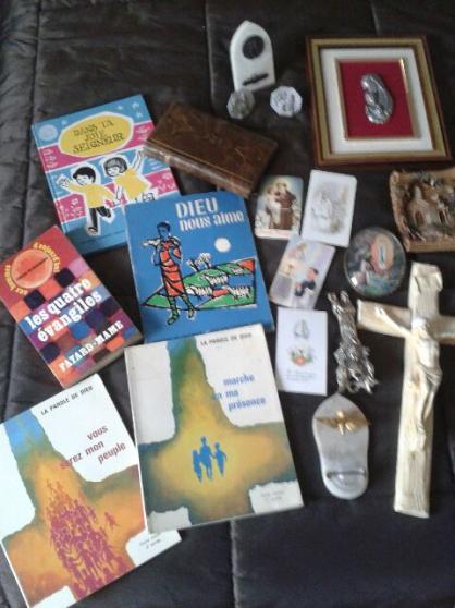 urgent !!! lot divers objets religieux - Annonce gratuite marche.fr