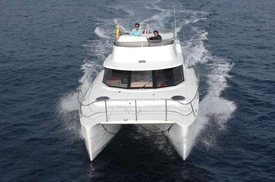 location catamaran moteurs avec accomp