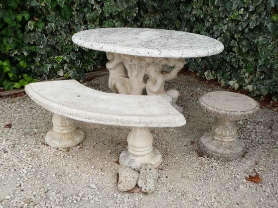 Table en Pierre reconstituée - Marche.fr