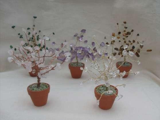 Petits arbres en pierres semi-precieuses