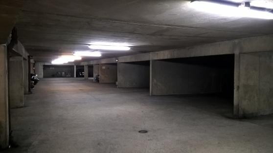 Parking privé - Levallois/Porte Asnières - Photo 2