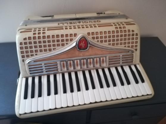 accordéon crucianelli - Annonce gratuite marche.fr