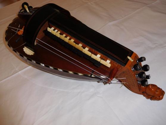 .superbe vielle à roue -jc boudet - Annonce gratuite marche.fr