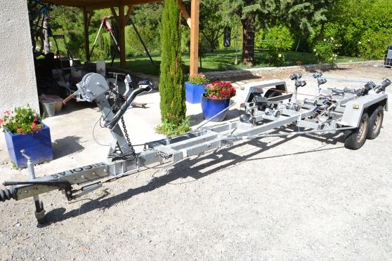 remorque porte bateaux PTAC 2000 kg