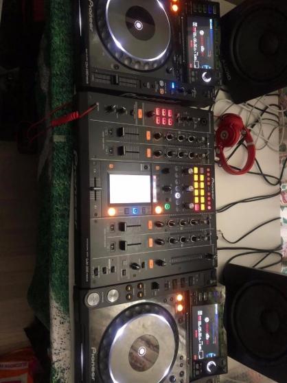 Pioneer CDJ-2000 nexus + Pioneer DJM-900