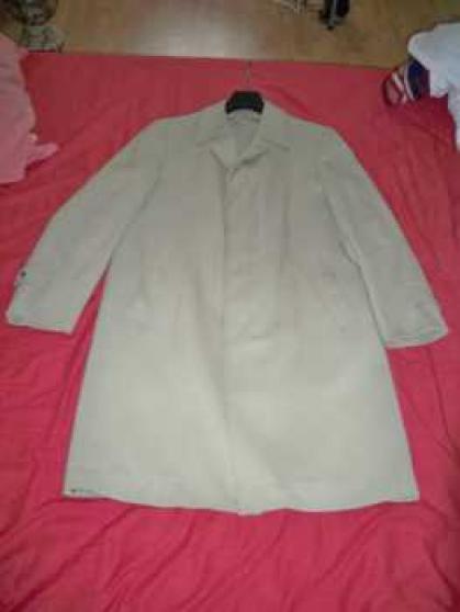 Petite Annonce : Pardessus, couleur gris / beige - Pardessus, couleur gris / beige, encolure 40. convient pour homme de
