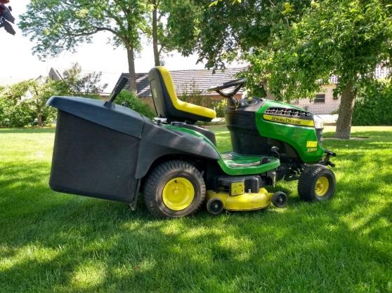 Tracteur de pelouse John Deere X155R