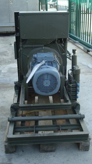 compresseur bauer K15-26m3/h - Photo 2