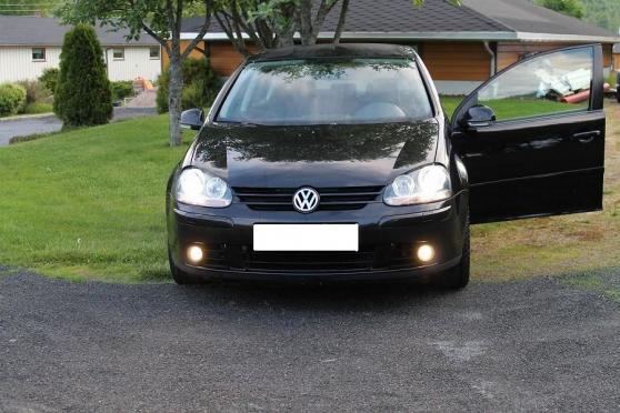 Volkswagen Golf 2.0 TDI couleur noire