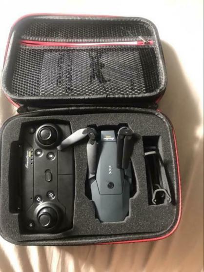 Annonce occasion, vente ou achat 'Drone avec 2 batterie'