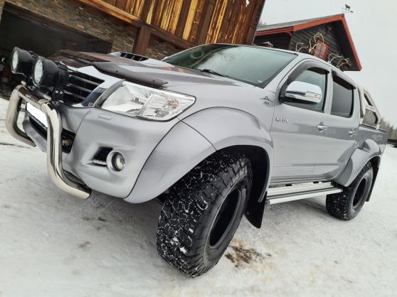 Annonce occasion, vente ou achat 'Toyota HiLux D-4D 171ch D-Cab 4WD SR + A'