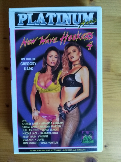 Vends VHS rare film New wave hookers 4