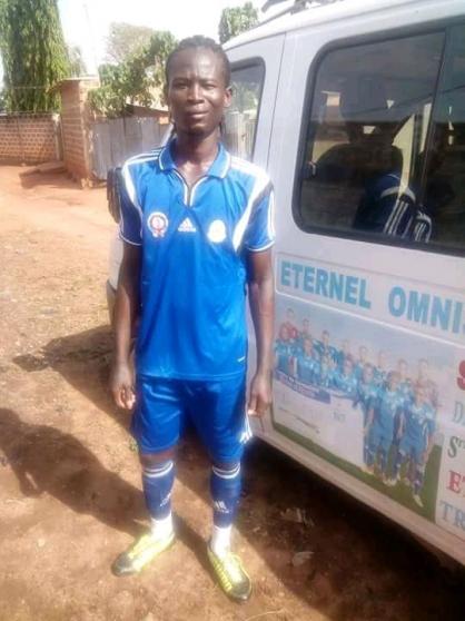 Jeune footballeur attaquant