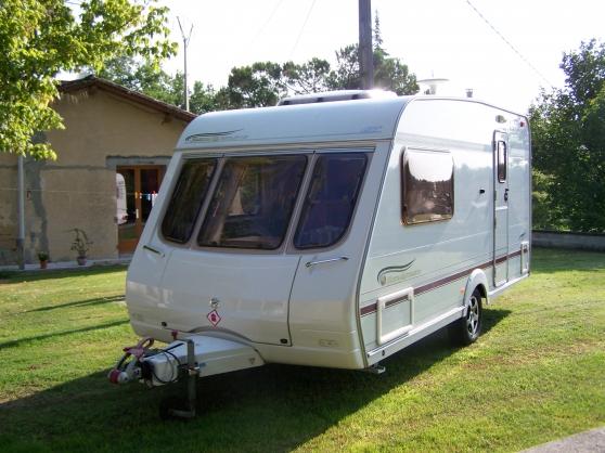 caravane anglaise 2 places avec cg caravanes camping car caravanes colayrac st cirq. Black Bedroom Furniture Sets. Home Design Ideas