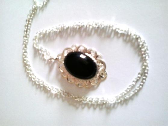 collier pendentif pierre gemme onyx - Annonce gratuite marche.fr