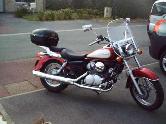 Moto SHADOW 125 CM3