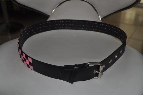 ceinture femme noir avec motif rose - Annonce gratuite marche.fr