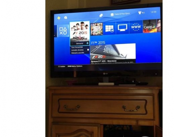 Annonce occasion, vente ou achat 'Magnifique Sony Playstation 4 - PS4'