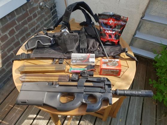 Annonce occasion, vente ou achat 'Vends réplique P90 marui + équipement'