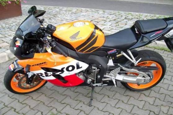 HONDA CBR 1000 RR REPSOL 2006