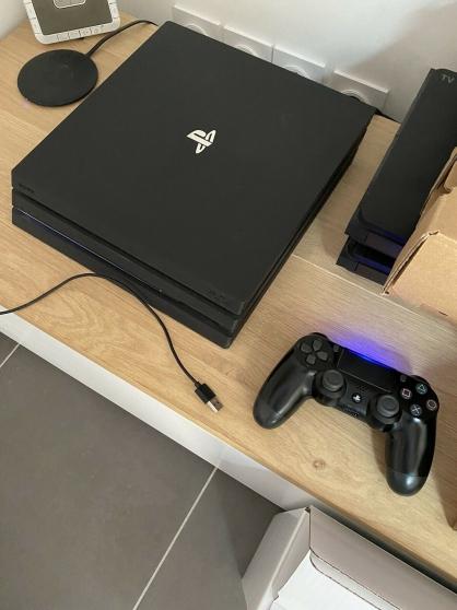 Sony Ps4 Pro 1To Noir Avec Manette