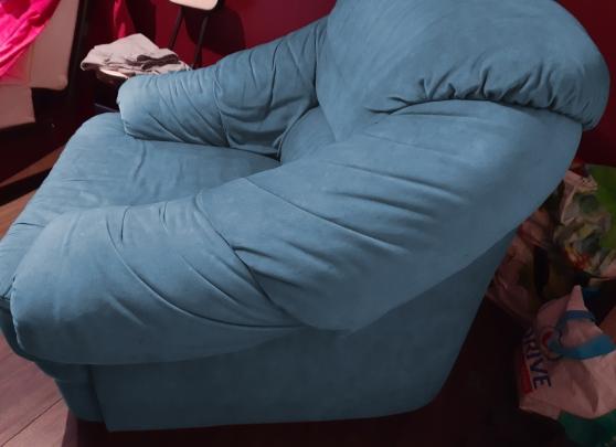 Annonce occasion, vente ou achat 'Fauteuil de salon bleu'