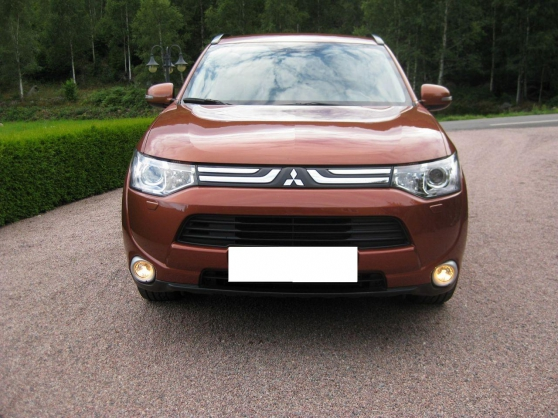 Très belle Mitsubishi Outlander Instyle+ - Photo 2