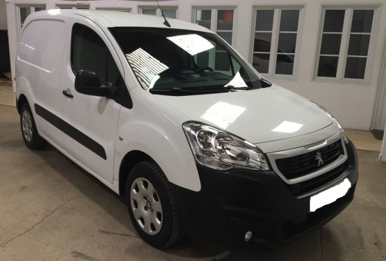 Annonce occasion, vente ou achat 'PEUGEOT Partner HDI 115 Pack Clim'