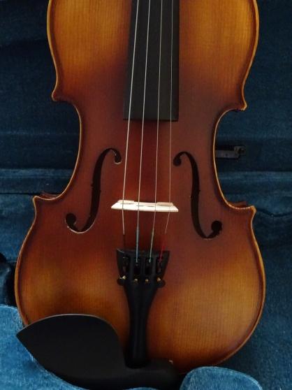 violon 4/4 + archet/excellente sonorite - Annonce gratuite marche.fr